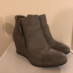 Naturalizer HALEY Wedge Ankle Boots